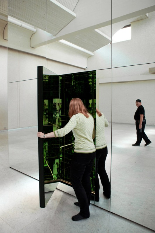 Thilo Frank's Mirrored Room 2